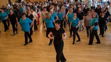"""Modern Line Dance – bei """"Nürtingen klingt gut"""" kennenlernen"""